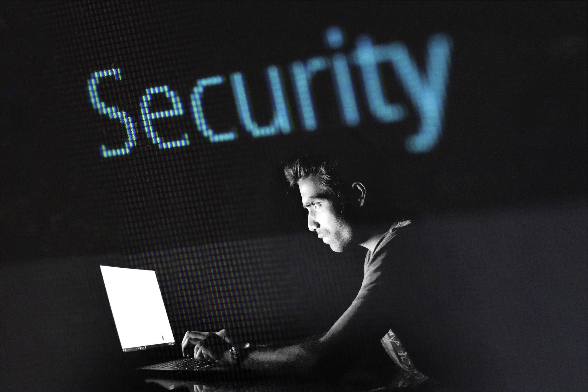 <b>7 riesgos clave</b> de seguridad que atajar al adoptar aplicaciones SaaS